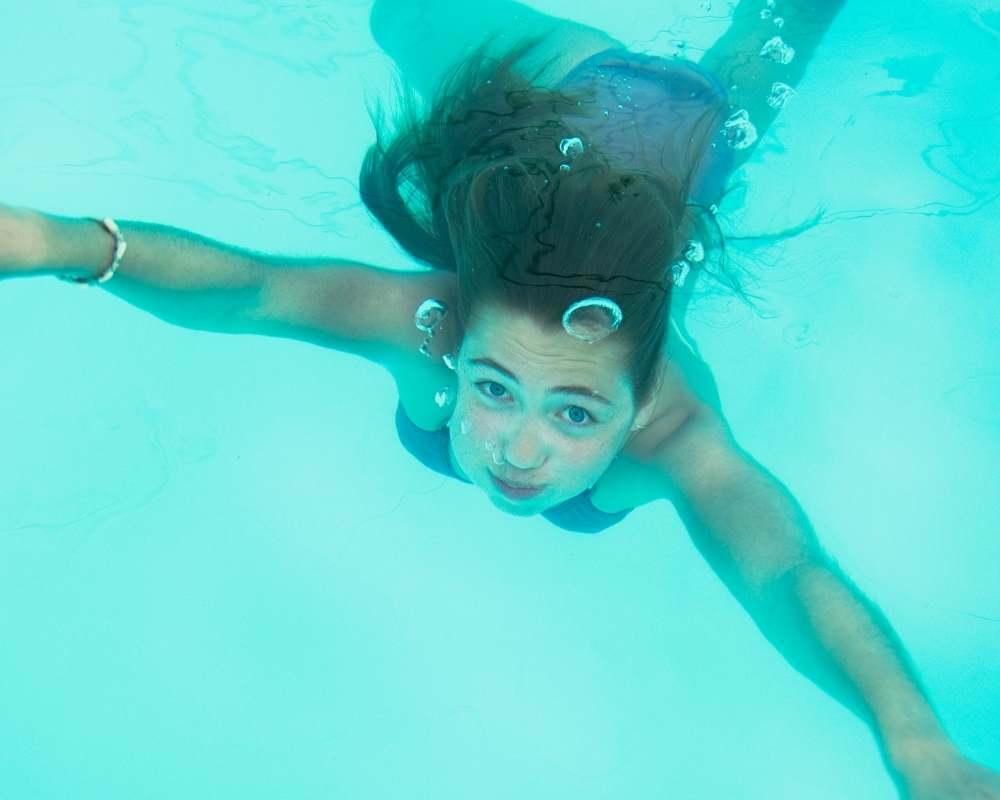 ouvrir les yeux sous l'eau