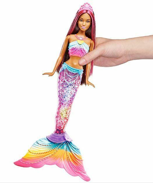 barbie avec queue de sirene lumineuse
