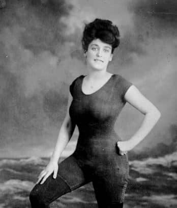 Annah-kellermann-actrice-sirene-mermaid-min