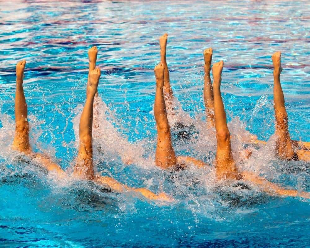 figure sous-marine-de natation synchro