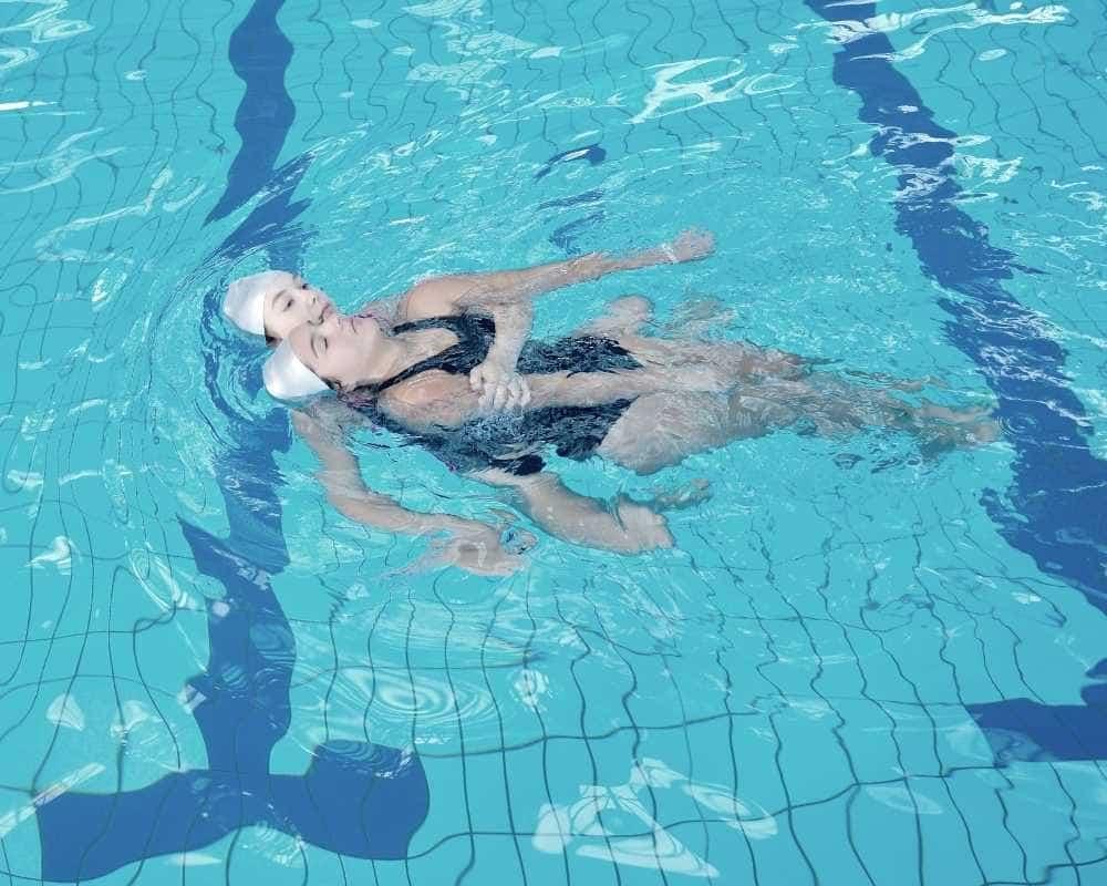 sauvetage et secourisme en piscine